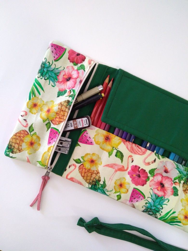 artist roll pencil case