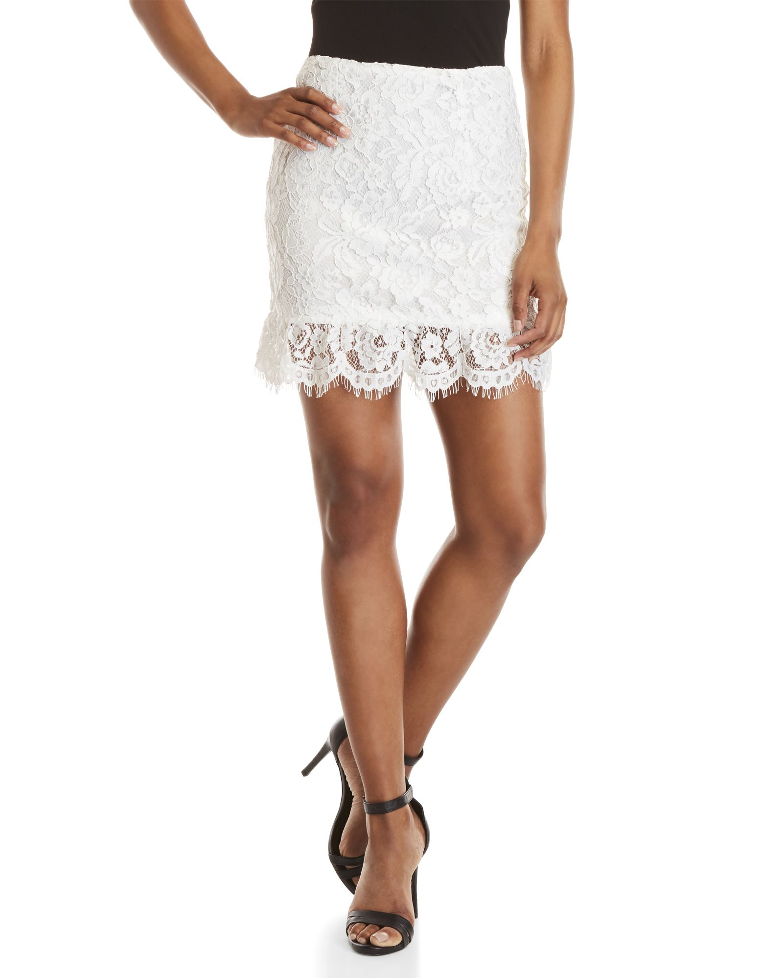 How to white wear lace mini skirt