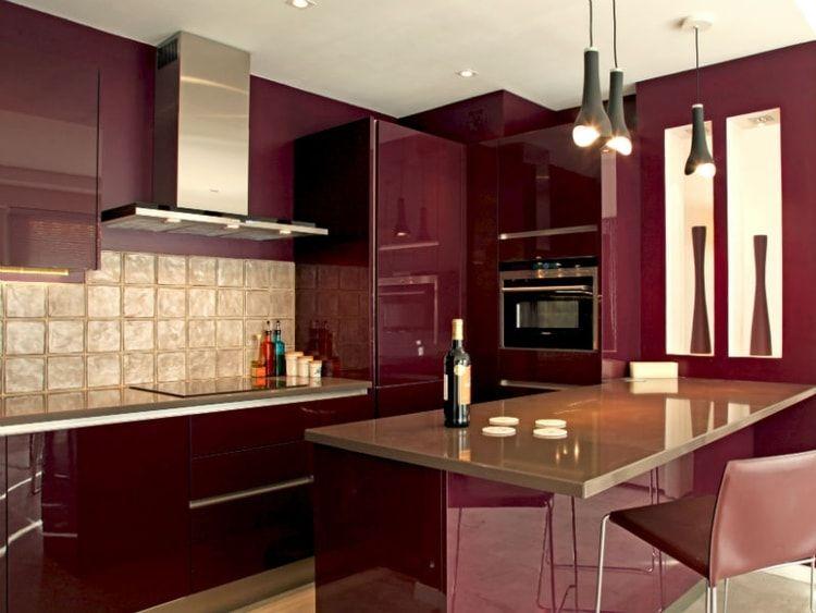 Une Cuisine Rouge Bordeaux Brillant Cuisine Rouge Credence Cuisine