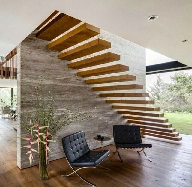 Escada engastada