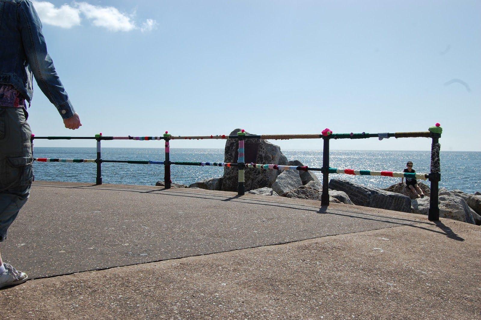 Sidmouth Knit Cafe.: ssssssssssshhhhhhhhhhh! .Sidmouth Knit Cafe.: ssssssssssshhhhhhhhhhh! . yarn bombing the prom at sidmouth devon