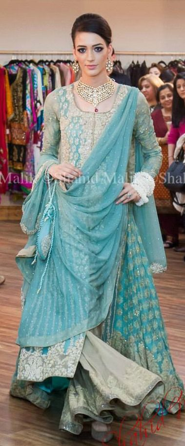 Sana Safinaz Such A Cool Color A List Of Best Dress Designers In Islamabad Karachi Lahore Peshawar An Pakistani Bridal Dresses Pakistani Outfits Fashion