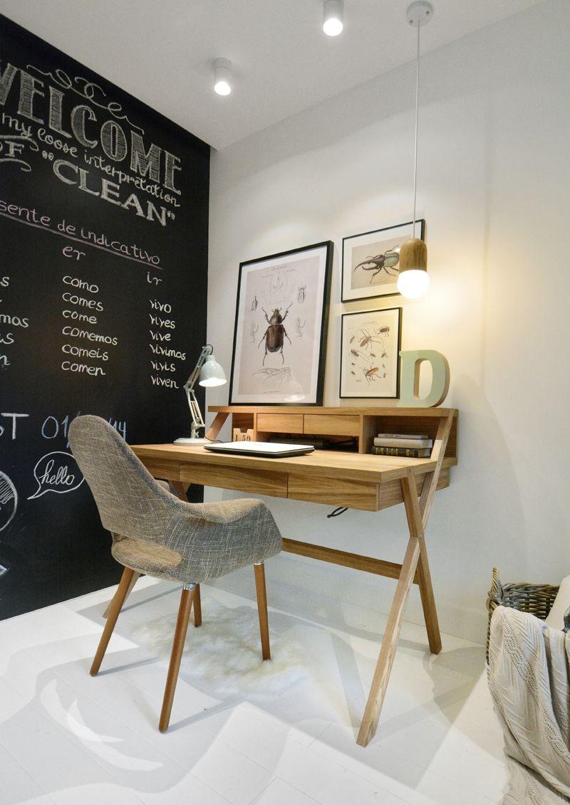 קלוז אפ: מעצבים חדר של נערה לקראת שנת הלימודים החדשה   בניין ודיור