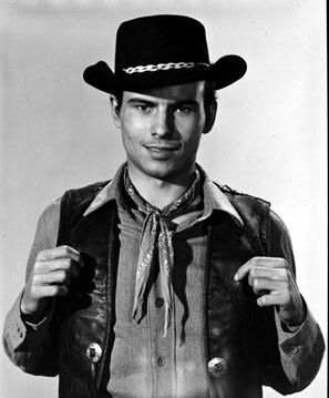 Horst Buchholz in The Magnificent Seven 1960 | Hollywood ...