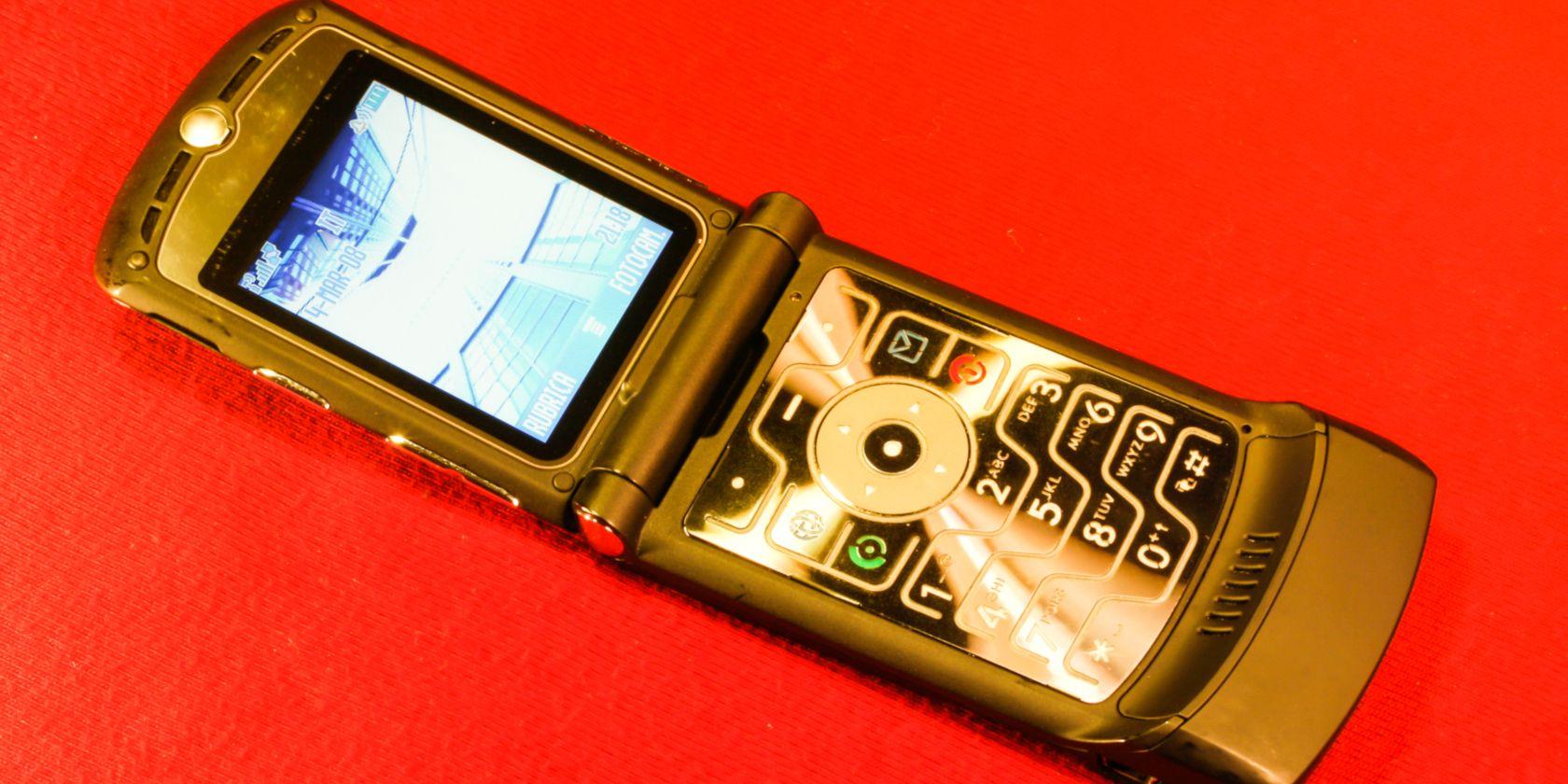 Motorola's Razr Is Coming Back as a HighEnd, 1500