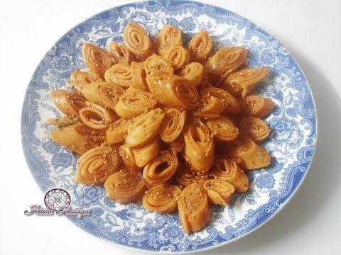 حلوة الشبكة المعسلة صوابع زينب سريعة التحضير حلويات رمضان Youtube Food Apple Pie Desserts