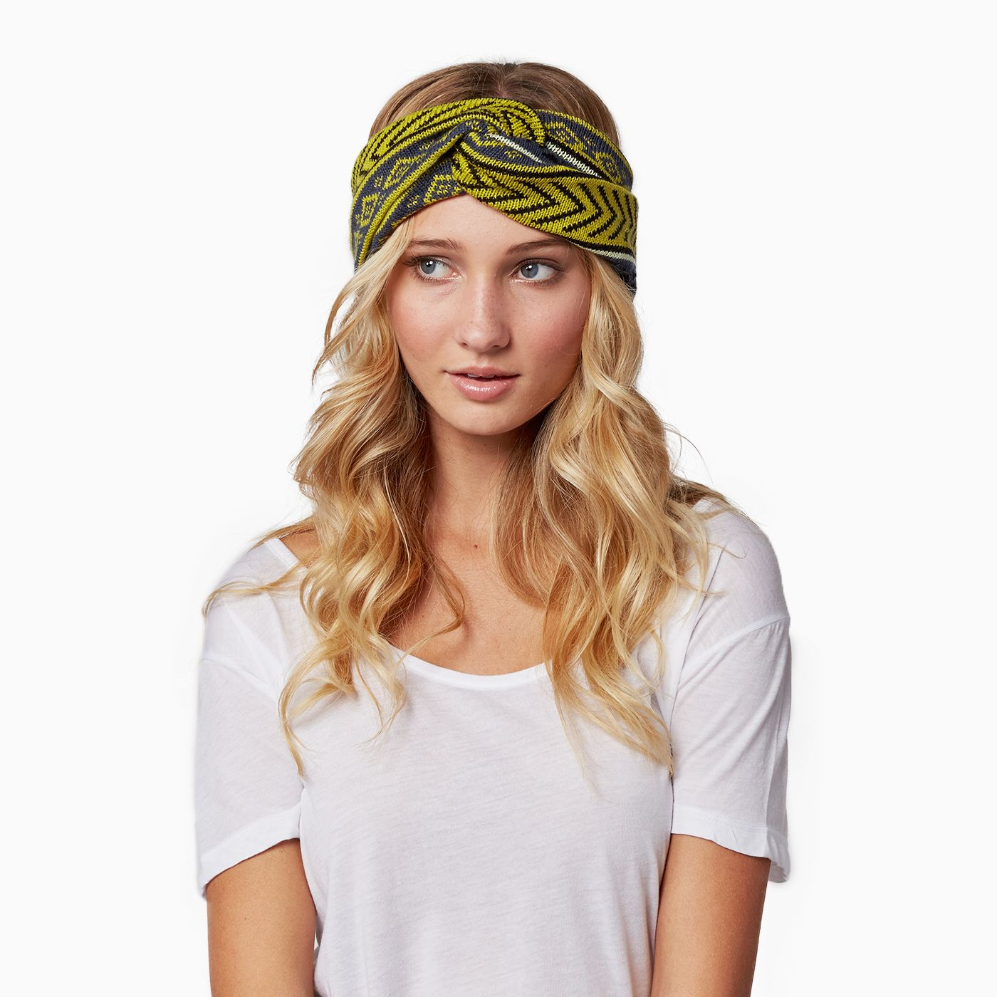 Make a statement this spring with our chunky knitted headband, 'the Arizona'. These bold designs will keep you ahead of the trend all year long. FEATURES:: Made in Peru 100% Acrylic Knotted Headband One Size Fits Most