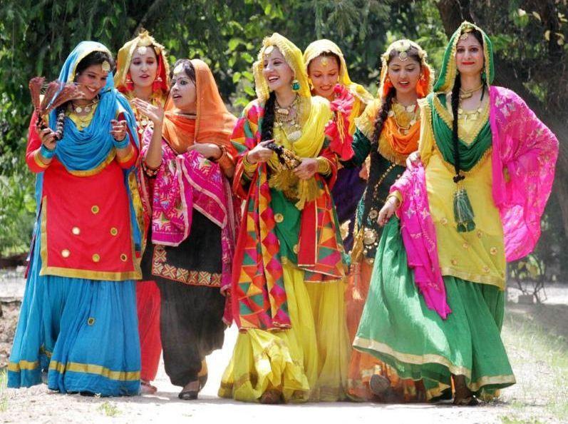 Punjabi Lehenga   Punjabi Girls Dress   Sindhi dress ...