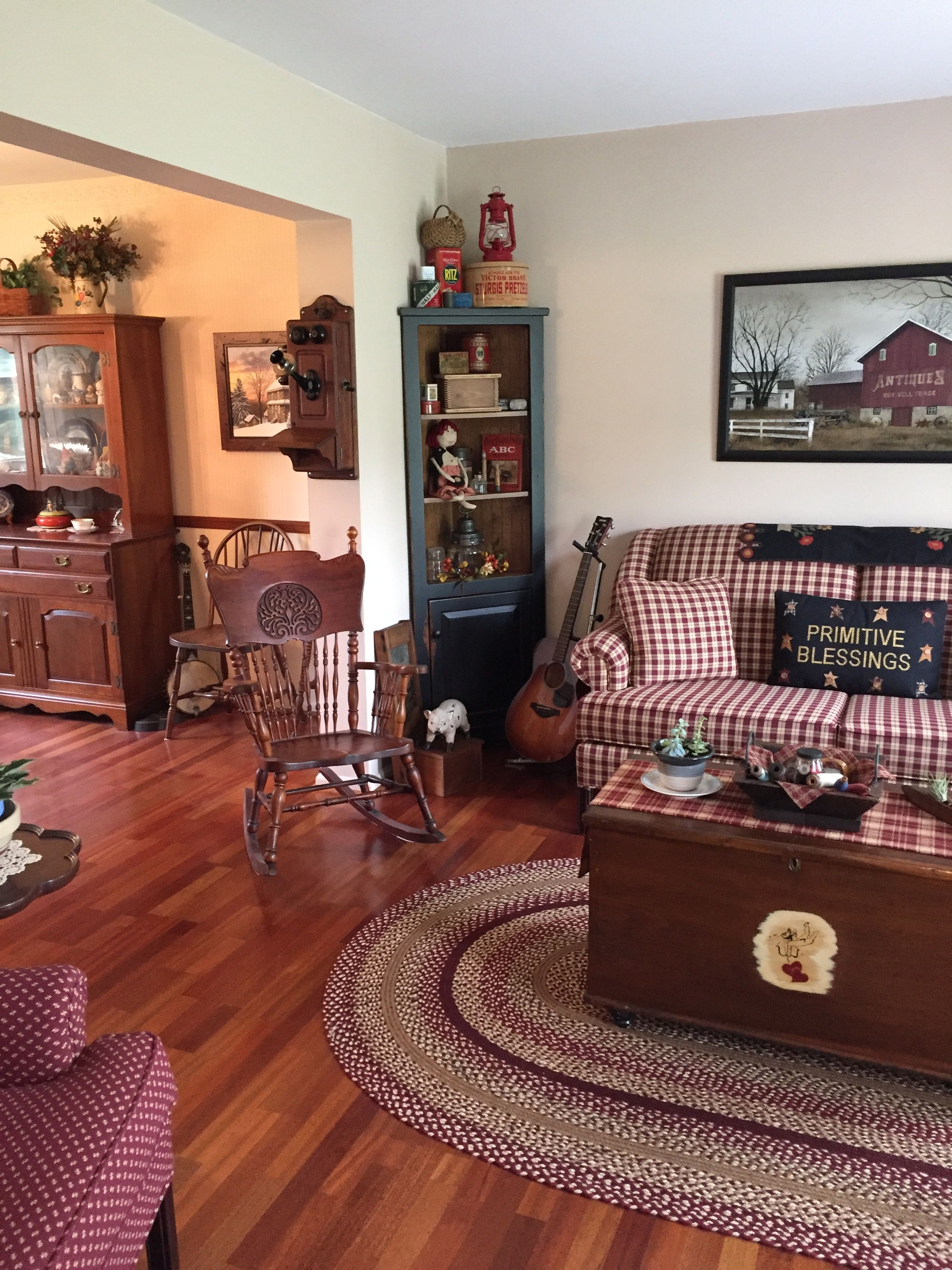 Primitive Living Room Primitive Living Room Primitive Decorating Country Americana Living Rooms Primitive paint colors for living room