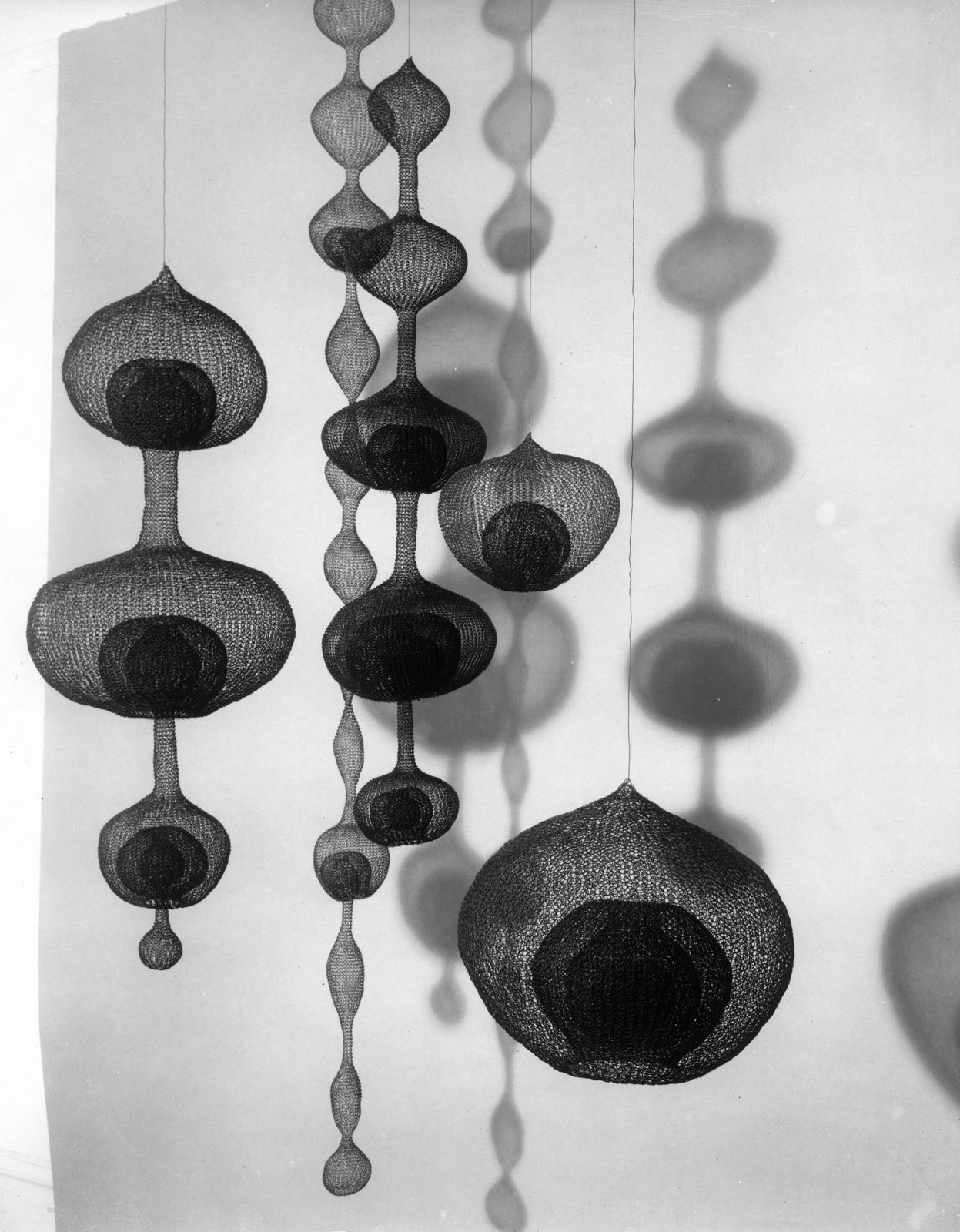 Ruth Asawa | contemporary sculpture | Pinterest | Installation art ...