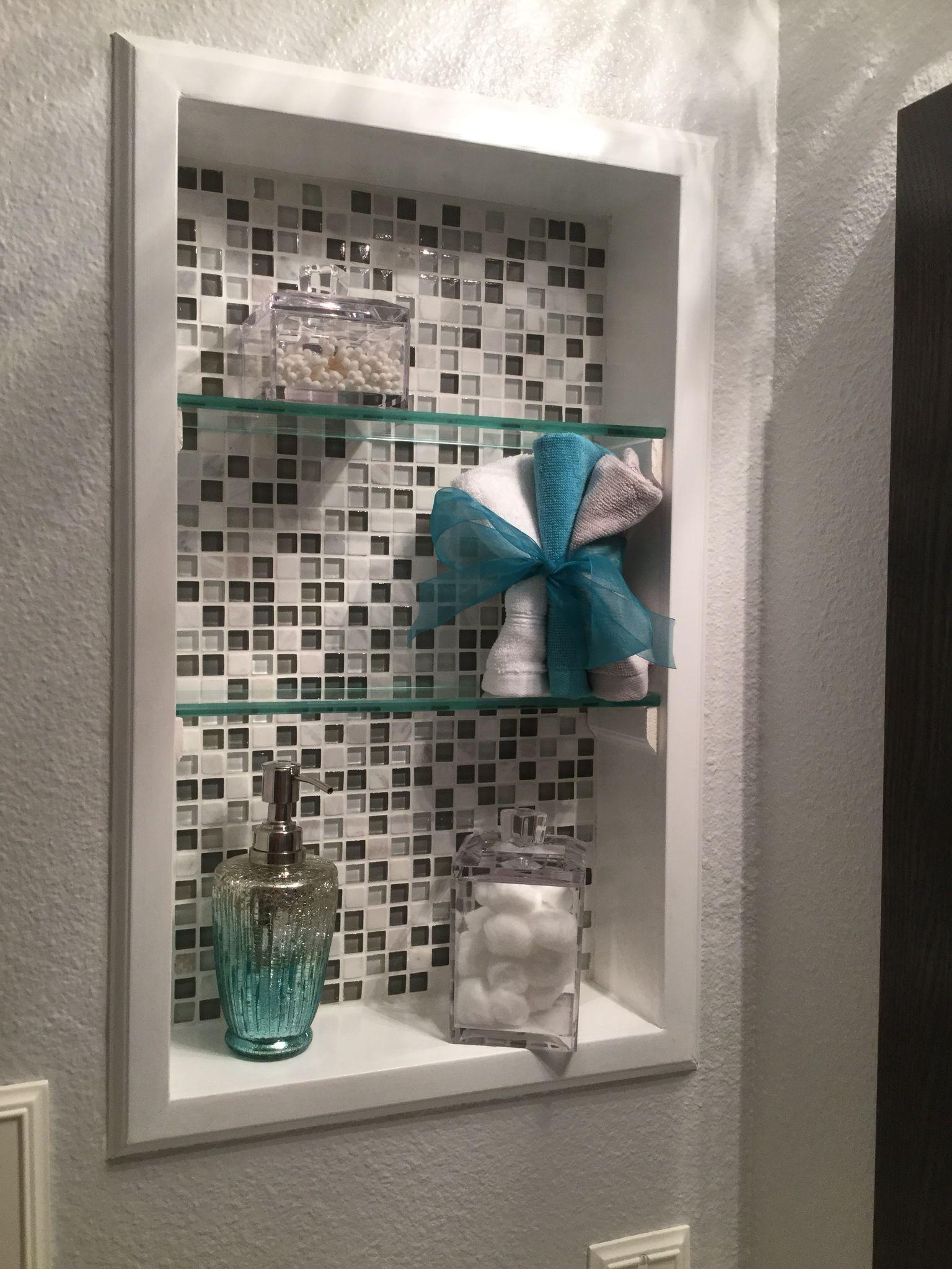 Der Medizinschrank Im Badezimmer Wurde Zur Nische Einfache Diy In 2020 Diy Shelves Bathroom Diy Bathroom Remodel Modern Bathroom Decor