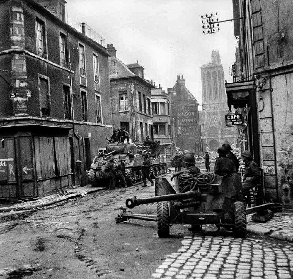 Pin af Fathom 11 på WW2 1944 | Pinterest