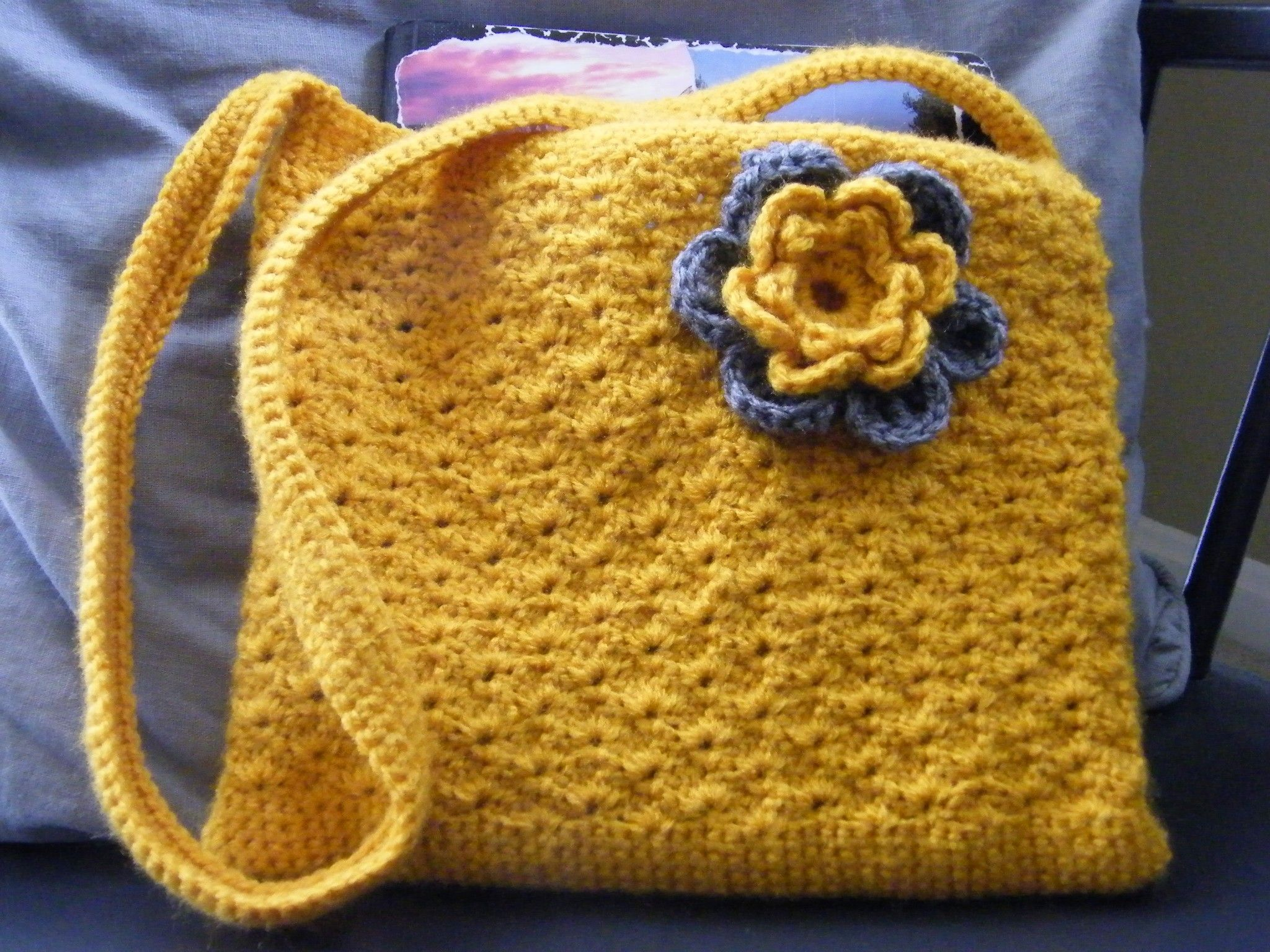 Sling bag crochet - Free Crochet Pattern Sunny Shell Purse Google Drive