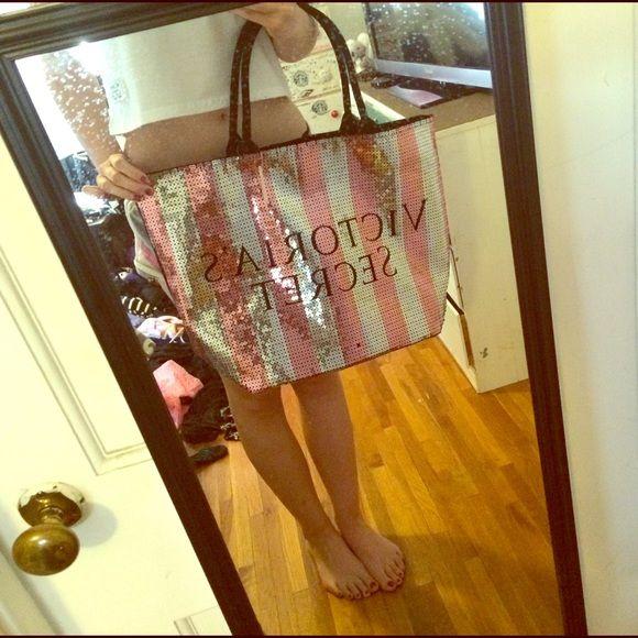 Black friday Victoria's Secret sequenced tote New with tags Black Friday holiday large Victoria's Secret tote ✨✨ Victoria's Secret Bags Shoulder Bags