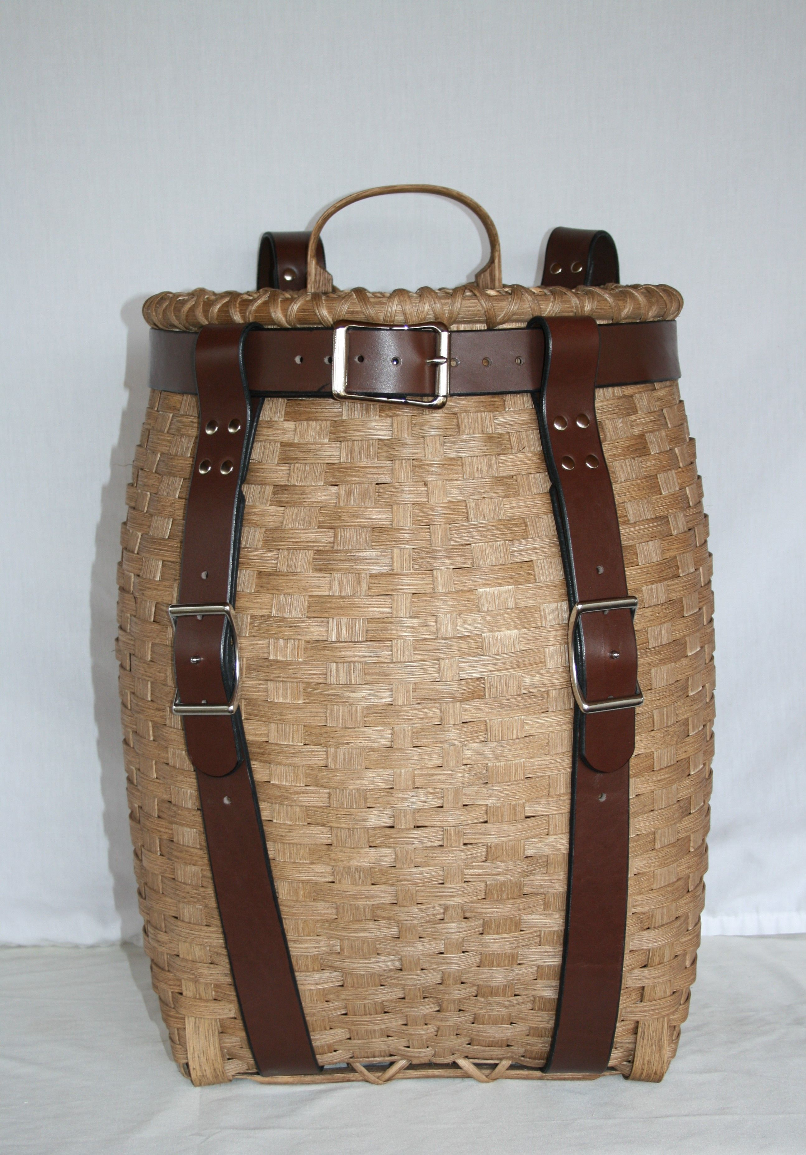 Mountaineer - Adirondack Pack Basket with Leather Harness | I Might