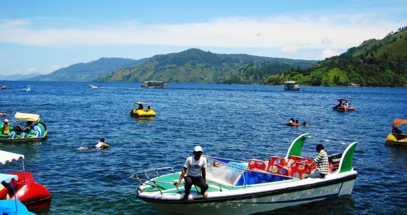 sumatera utara wisata air danau toba alam