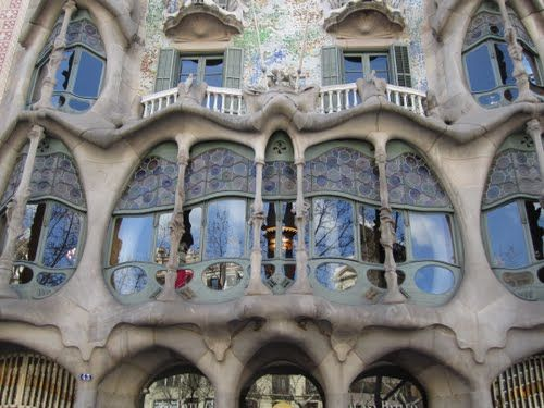 More Gaudi ..... and there's so much more!