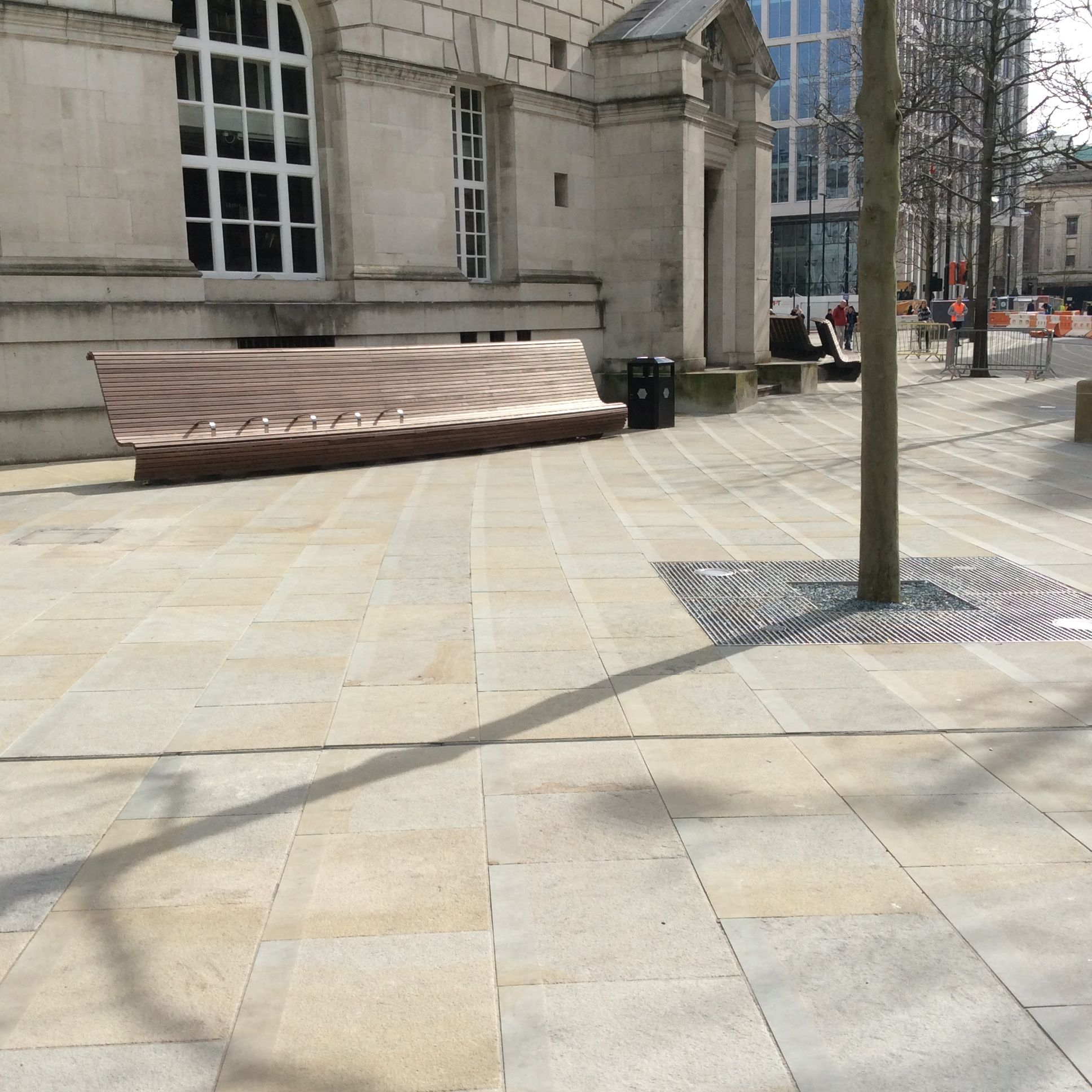 St Peter S Square Manchester Westmoor Crest Yorkstone Www Marshalls Co Uk Outdoor Decor Patio Saint Peter Square