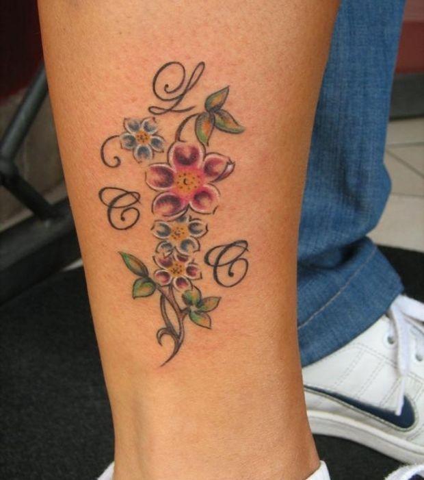 Tatouage Mollet Femme Fleur Kolorisse Developpement