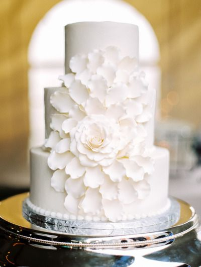 Beautiful wedding cake: http://www.stylemepretty.com/texas-weddings/2014/09/17/intimate-ranch-wedding-in-texas/ | Photography: Jared Tseng - http://www.jaredtseng.com/