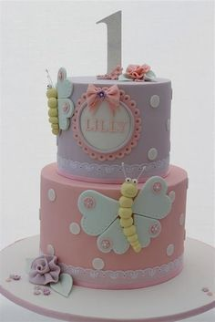 Festa 10 bolos de aniversrio para celebrar o primeiro ano do beb