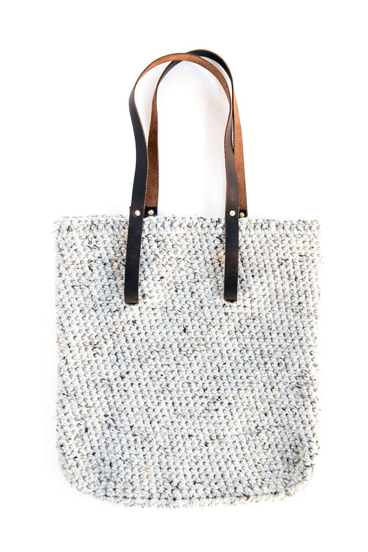 Leather Strap Crocheted Tote - FREE PATTERN // www.deliacreates.com ...