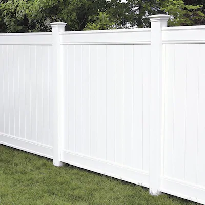 Freedom Ready To Assemble Everton 6 Ft H X 6 Ft W White Vinyl Flat Top Vinyl Fence Panel Lowes Com In 2020 Vinyl Fence Panels White Vinyl Fence Vinyl Fence