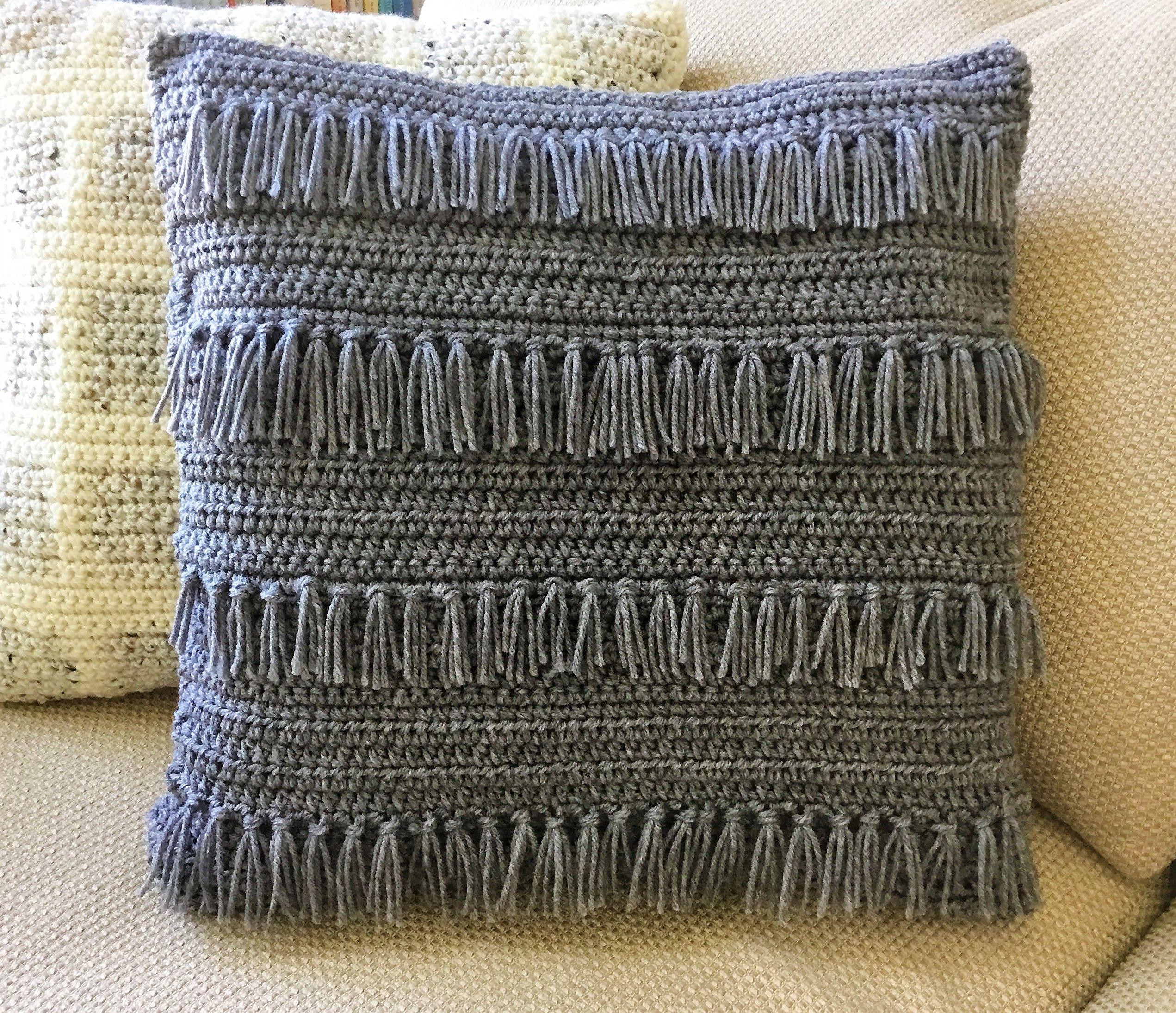 Crochet Fringe Pillow Free Crochet Pattern For This Easy Farmhouse Style Crochet Pillow Case Pattern Pillow Cover Crochet Pattern Crochet Pillow Patterns Free