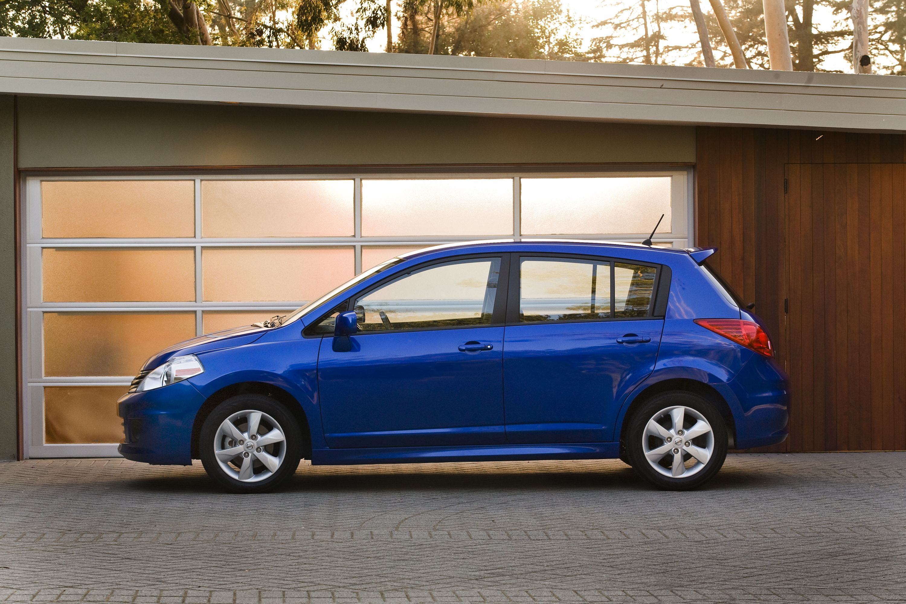 Once Again The Front Wheel Drive 2012 Nissan Versa Hatchback Fuel Filter Continues To Provide Excellent Efficiency Without Sacrificing Performance Or Roominess