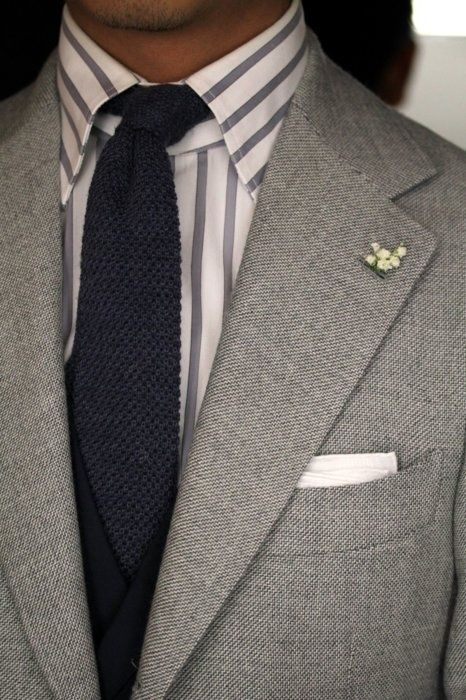 Tiny Flower Bunches Lapel Pin | Style Inspiration: Lapel Pin