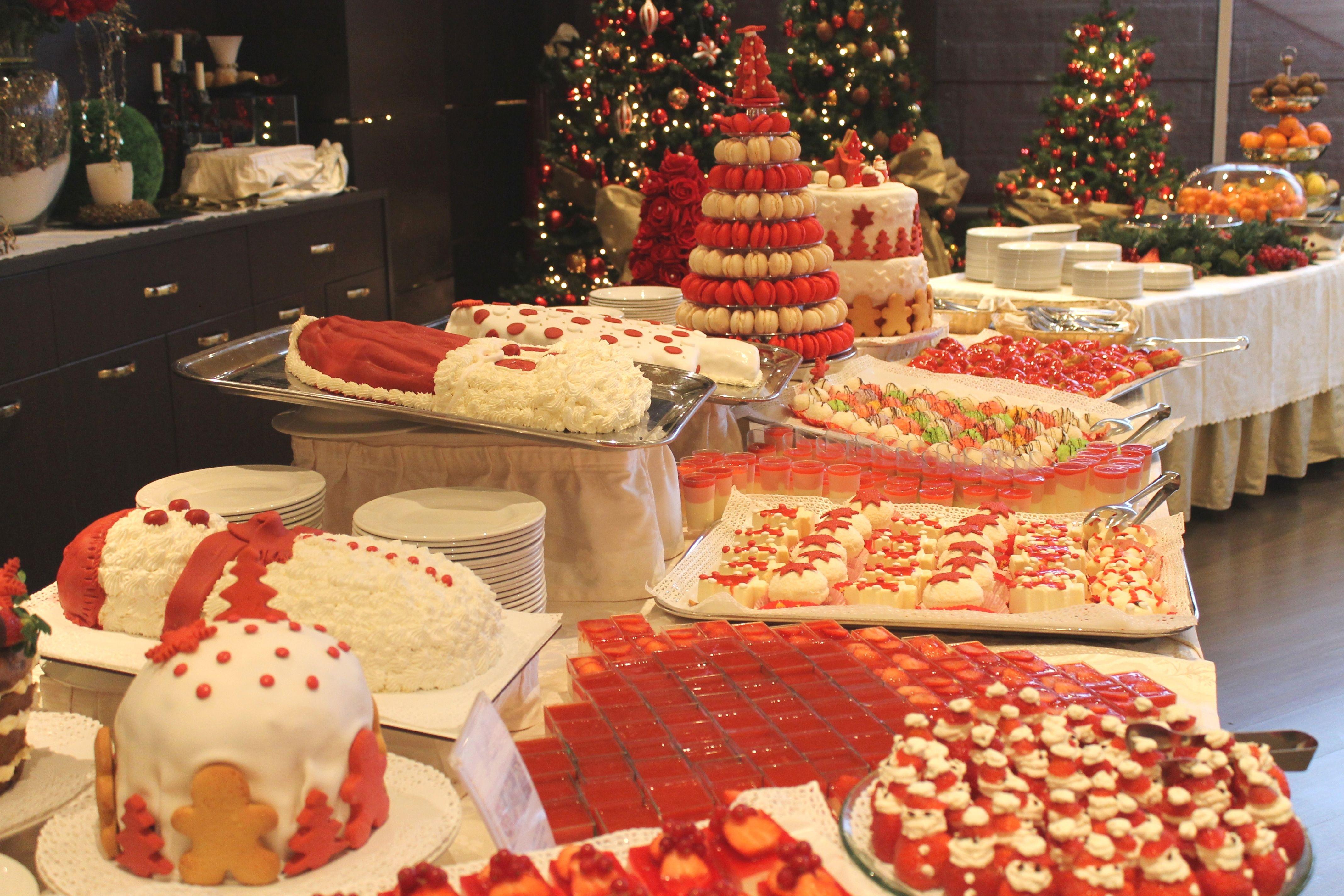 Buffet Di Dolci Di Natale : Il ricco buffet dei dolci di natale loano village cakes