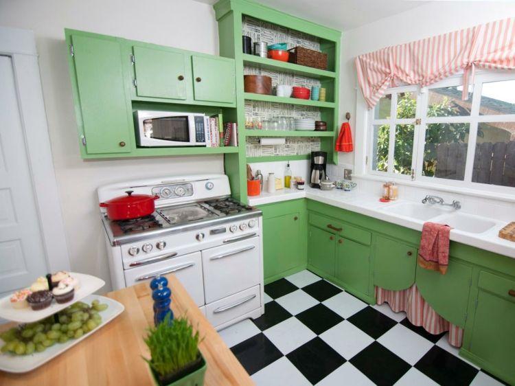Cucine colorate u alcuni suggerimenti freschi colorati e di