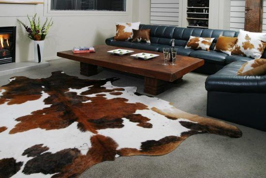 Animal Skin Rugs In The Home With Images Cow Hide Rug Animal