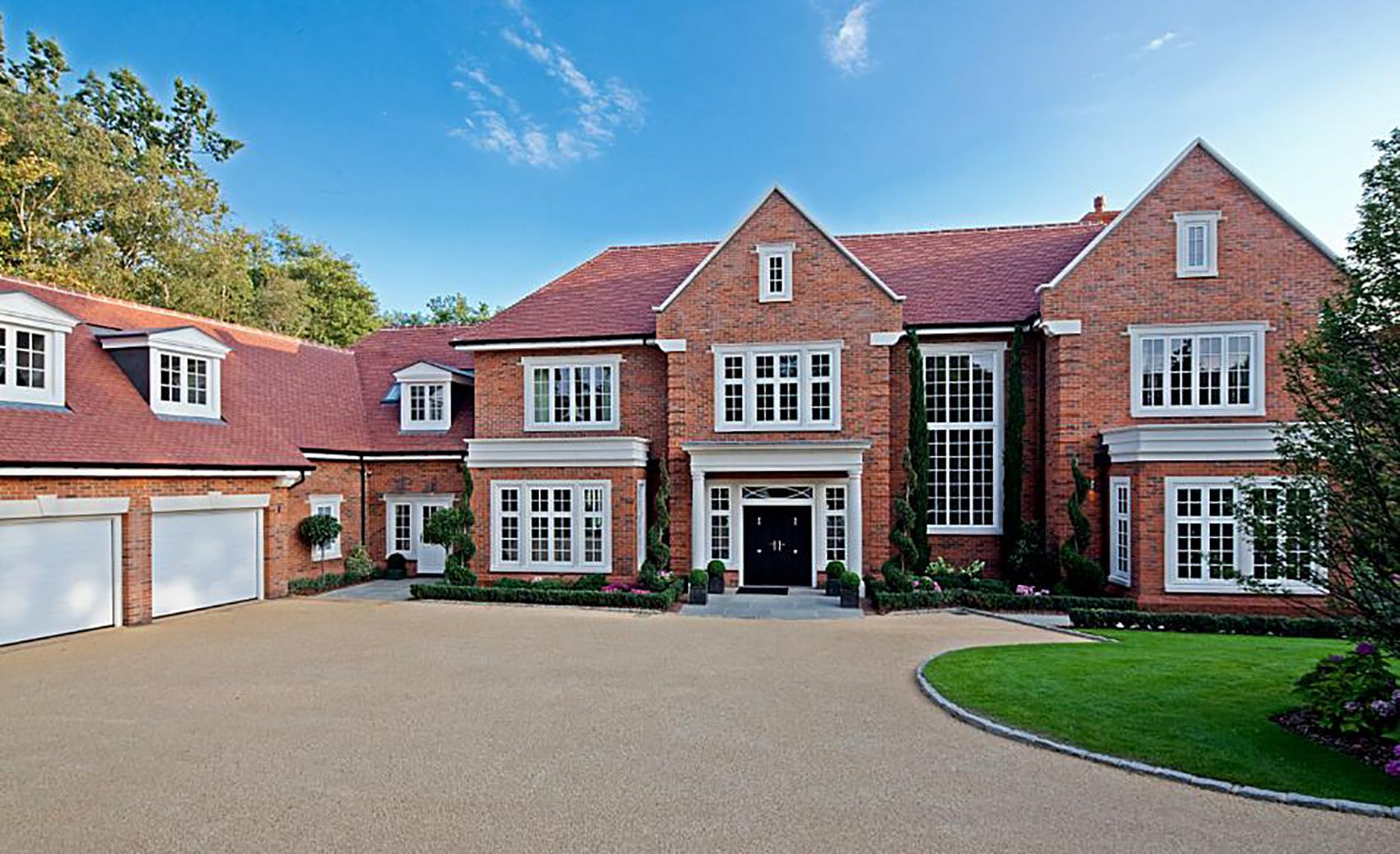 Our Wentworth Estate Architectural Design For Millgate Homes Included 10 000sqft Of Accommodation A House Exterior Dream House Exterior Residential Architect