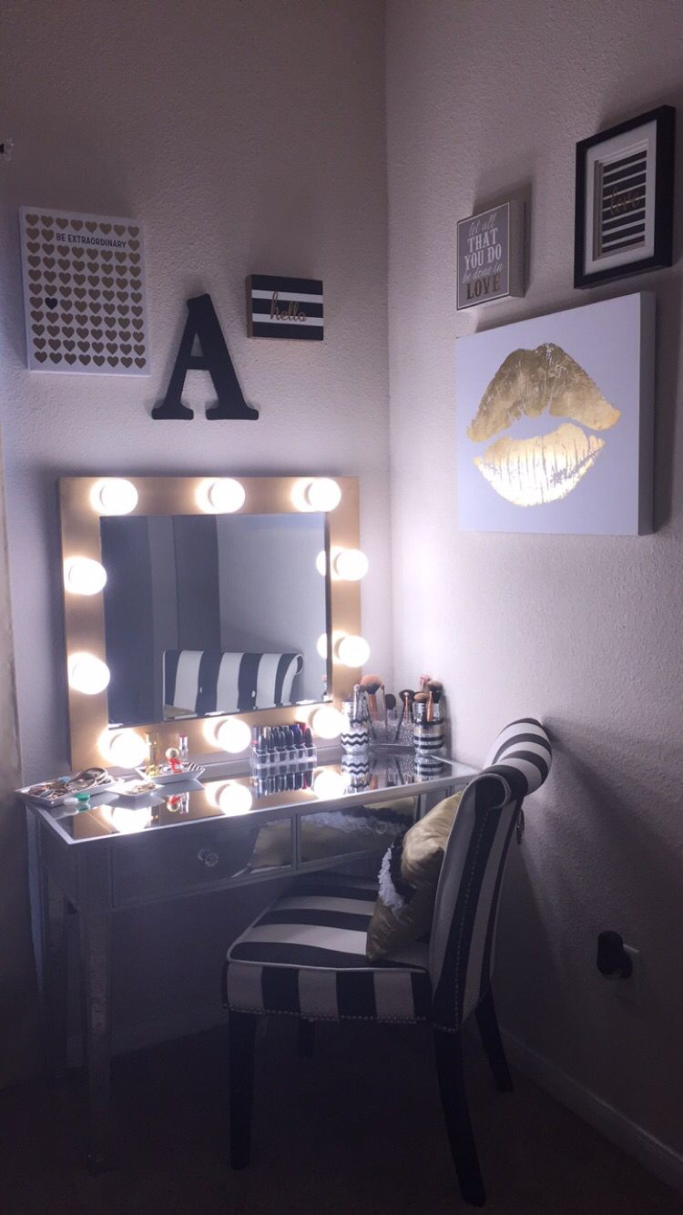 DIY makeup vanity! Hollywood Mirror with lights. Black, Silver ...