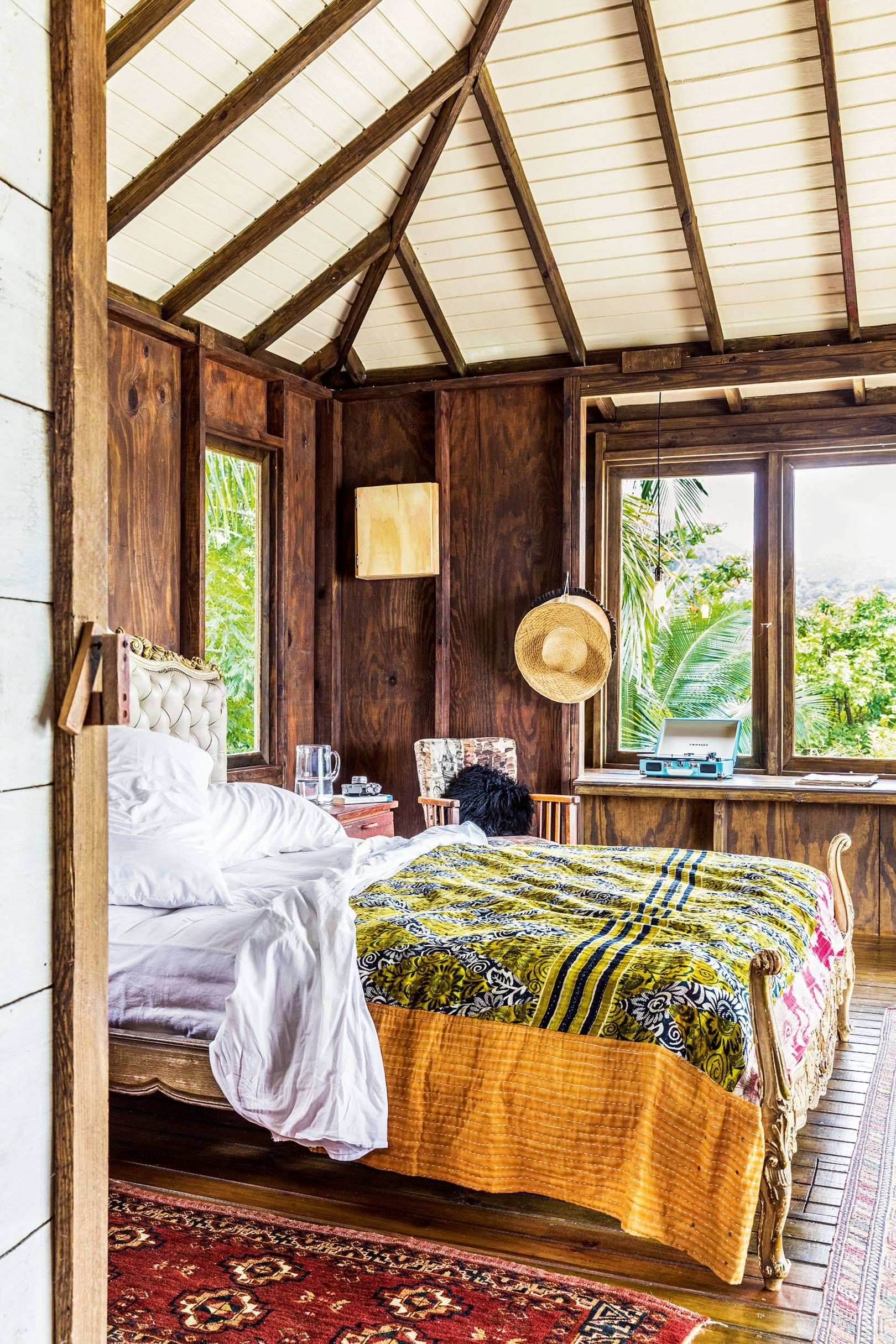 138 astoundingly beautiful and romantic hotel rooms ...