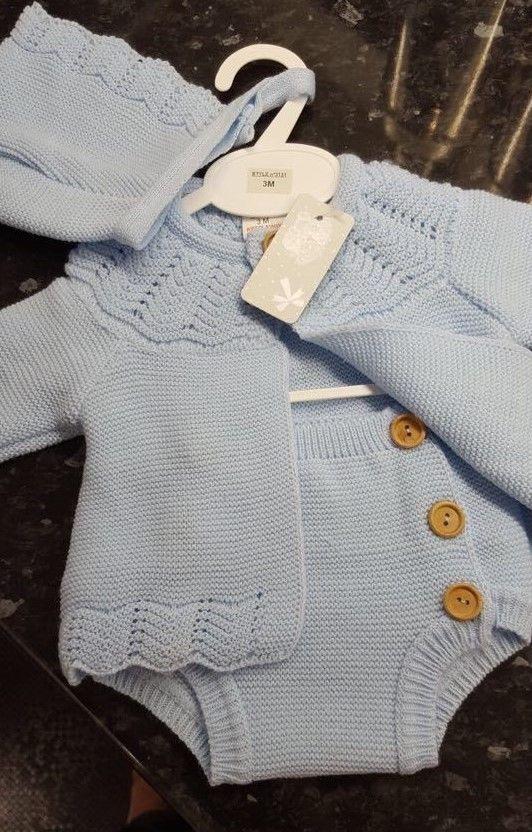 Spanish Style Baby Boys Knitted Dungarees /& Pom Pom Cardigan Set.