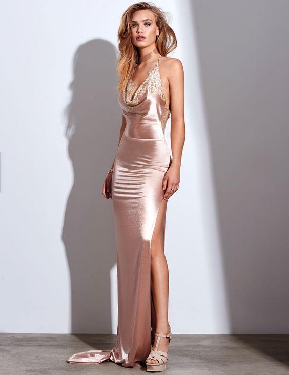 2020 Saten Elbise Modelleri Pembe Uzun Askili Degaje Yaka Yandan Derin Yirtmacli The Dress Aksam Elbiseleri Elbise Modelleri