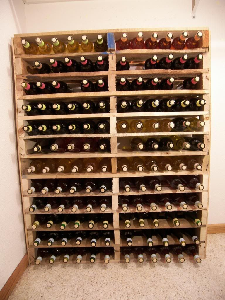 diy pallet wine rack i am building this asap but i am sanding and staining mine home. Black Bedroom Furniture Sets. Home Design Ideas