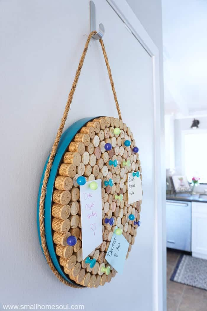 Wine Cork Board - an Easy DIY Project to get Organized #uniquecrafts