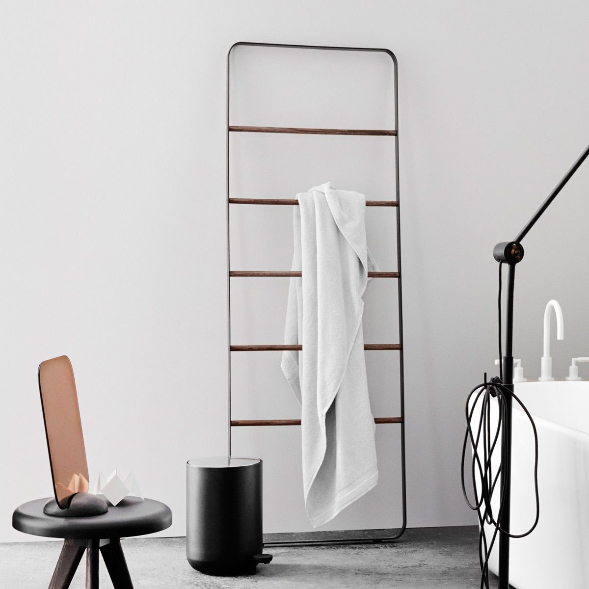 Bathroom floor towel racks - Modern Towel Ladder Stands For Bathroom Floor Towel Rack Free Standing Towel Rack Brushed Nickel Bathroom Gallery Accessories