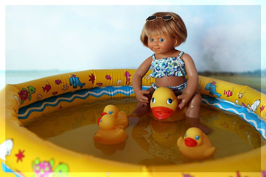 C'est ainsi que conçoivent les vacances mes petits lutins, et vous ? J'ai adoré faire ce maillot de bain d'après le patron de Vaniline, le...