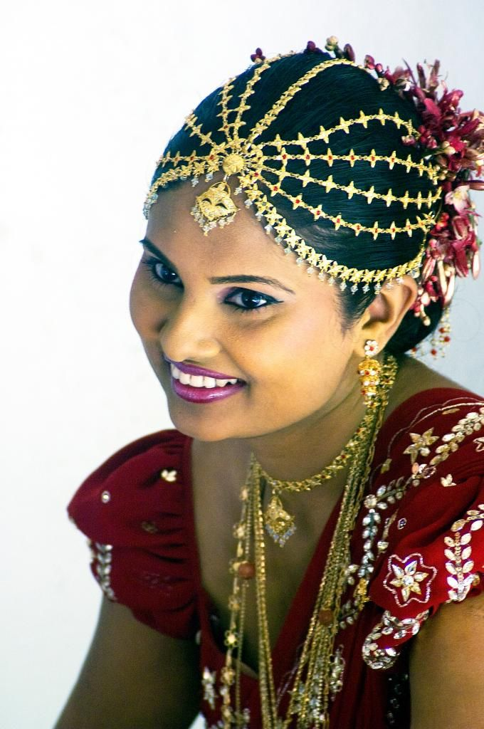 Sri Lankan Bride Wearing A Red Saree Is Not Uncommon Love The Head Wear