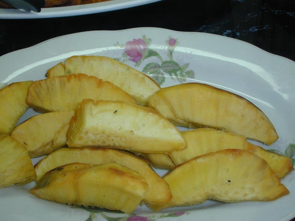 Fried breadfruit | I Jamaican Food | Pinterest