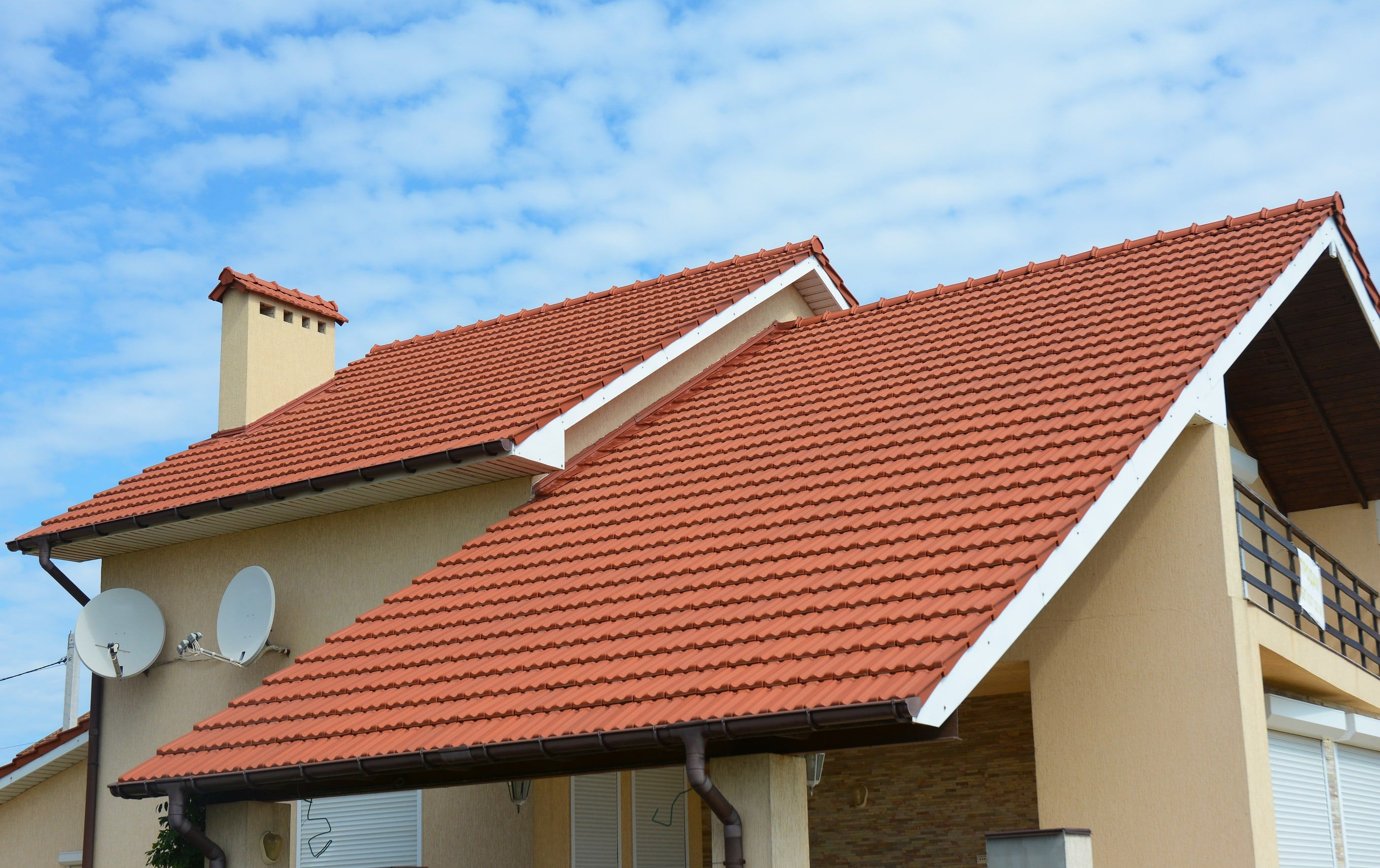 Roofing Contractors In 2020 Shed Roof Design Roofing Roof Design