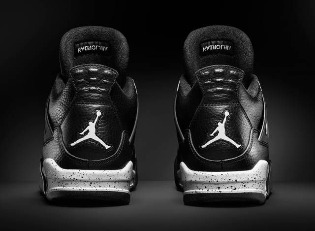 "a9d622f3102a77 The 2015 Retro AJ 4 ""Oreo"" Impressively Resembles OG Iteration From 1999"