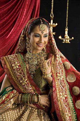 Indian Jewelry Google Search Indian Bride Dresses Indian Wedding Wear Indian Bridal