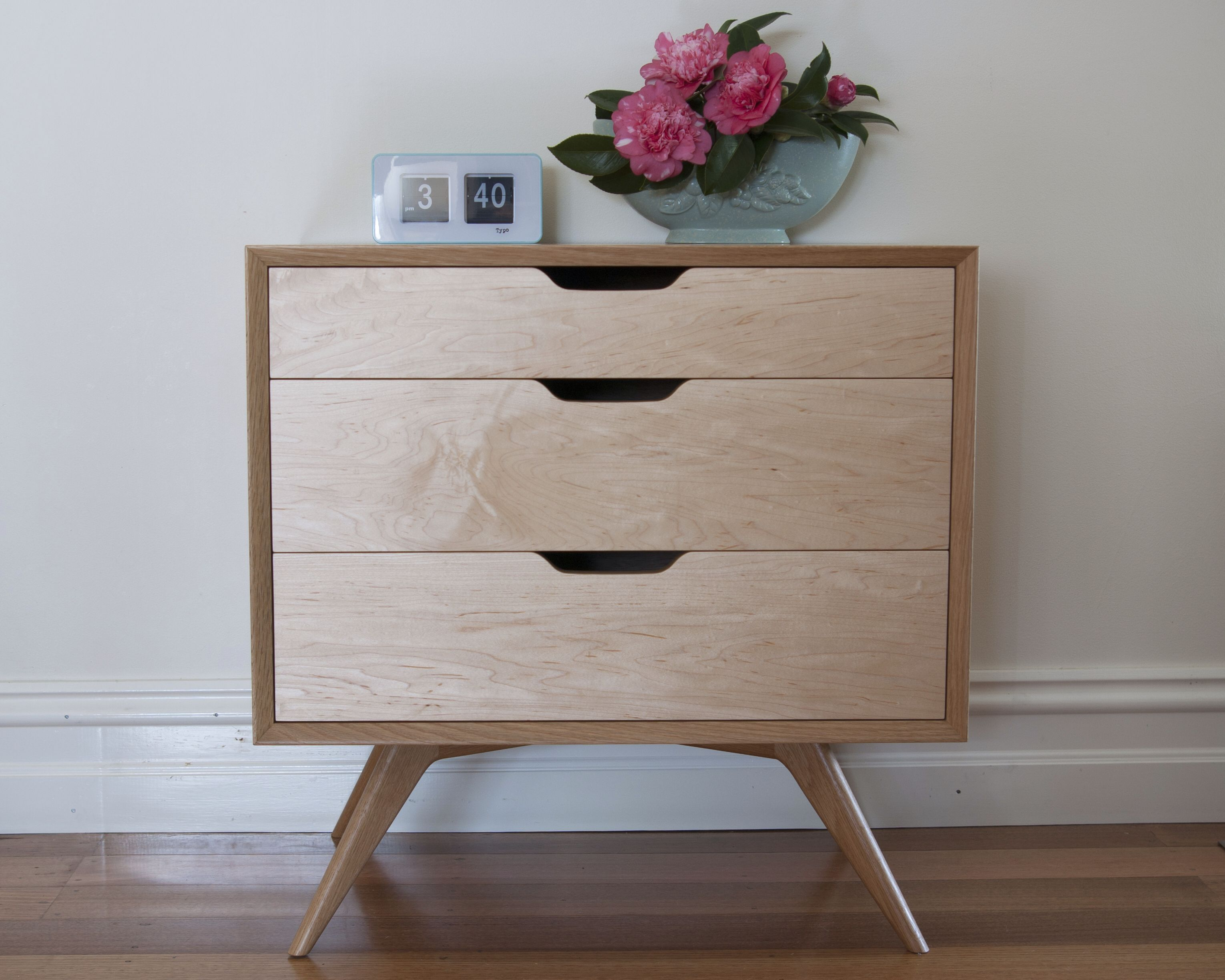 Modern design mid century timber furniture sawdust timber - Contemporary maple bedroom furniture ...