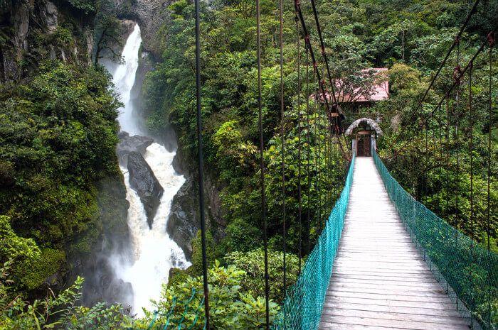 De warmwaterbronnen van Baños.  #ecuador #BetterPlaces #BetterPlacesNL #duurzaamreizen #duurzaamecuador #rondreisopmaat #rondreisecuador #zuidamerika #waterval