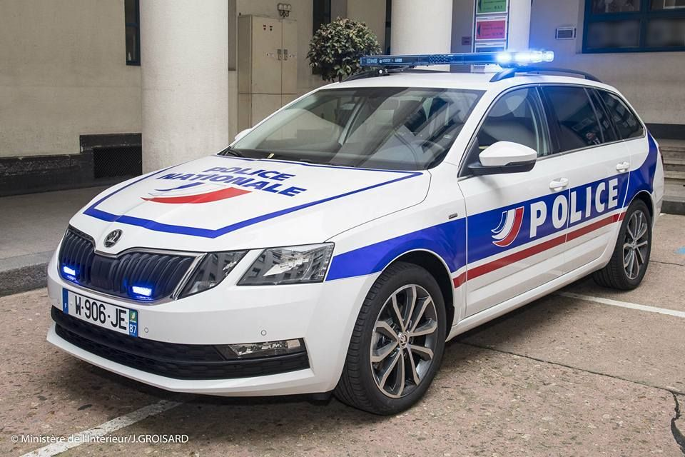 r sultat de recherche d 39 images pour police car pics pinterest police cars police patrol. Black Bedroom Furniture Sets. Home Design Ideas